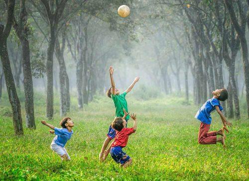 به کودکانمان فرصت کودکی بدهیم